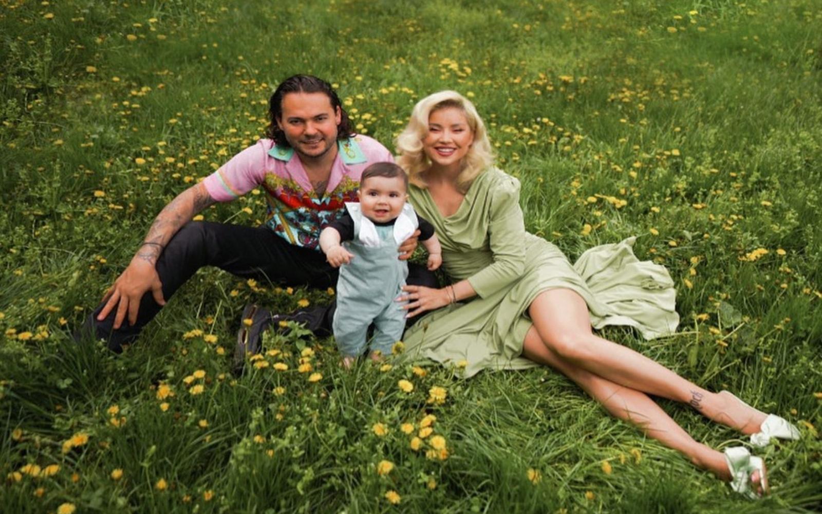 """Alina Ceușan și-a botezat băiețelul. Dress code """"fără tocuri"""""""
