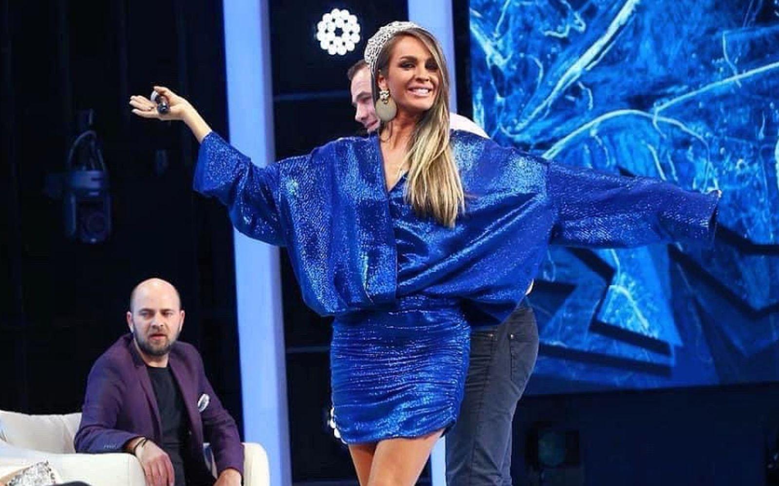 Cum arată Diana Munteanu într-o pereche de colanți super mulați, după ce s-a vehiculat că ar fi anorexică