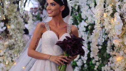 """Motivul pentru care Adelina Pestriţu a fost făcută praf de fani în ziua nunţii: """"Strică tot!"""""""