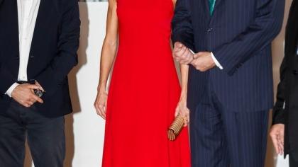 Regina Letizia, splendoare în roşu în vizita ei oficială din Cuba