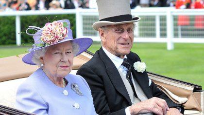 """4 lucruri neştiute despre prinţul consort, Philip, cel care este considerat """"marioneta"""" Reginei Elisabeta"""